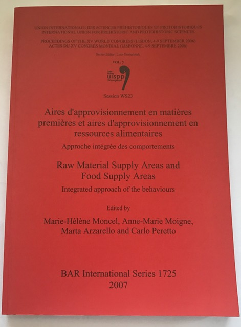 Image for Aires D'approvisionnement en Matieres Premieres et Aires d'Approvisionnement en Ressources Alimentaires/Raw Material Supply Areas and Food Supply ... Archaeological Reports International Series) :
