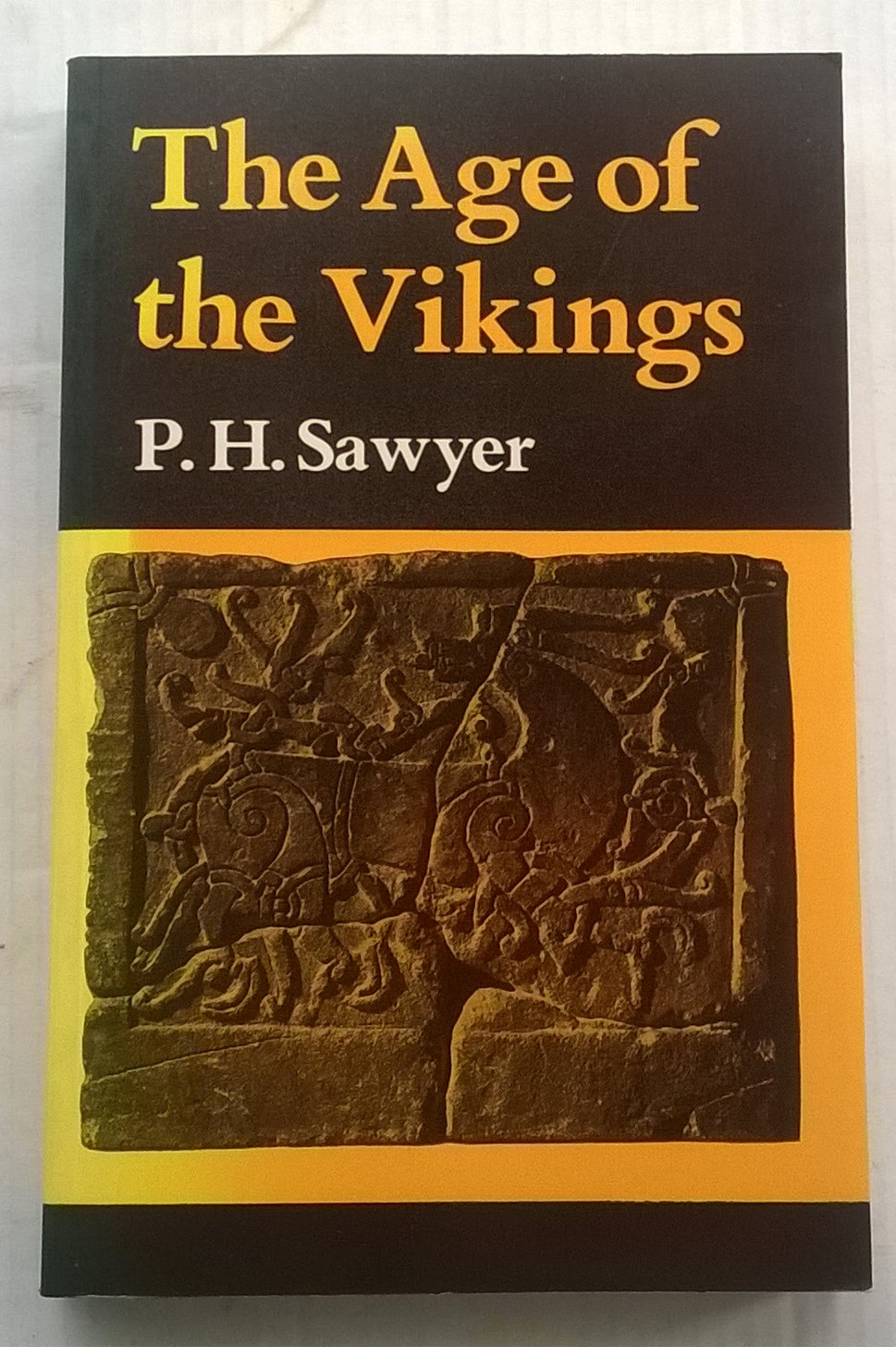 The Age of the Vikings :, Sawyer, P H ;